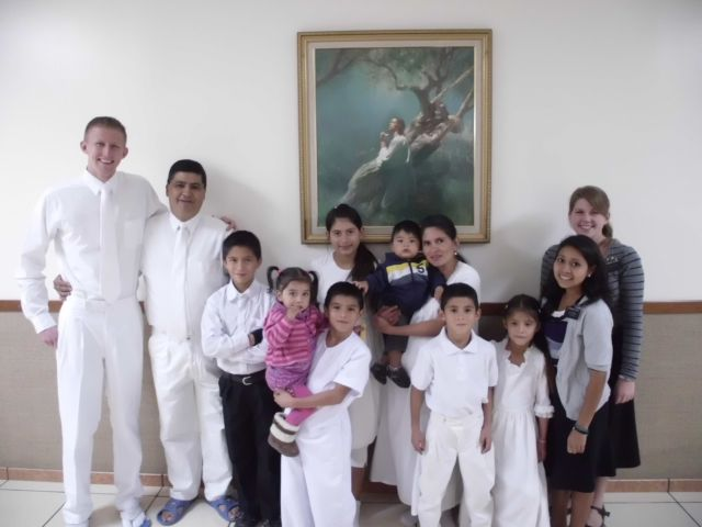 Check this out! The sisters in Patzitè found a family and taught them and prepared them for baptism, and me JUST doing the baptismal interview for them made three of them want me to baptize them! It was an honor! A beautiful family.